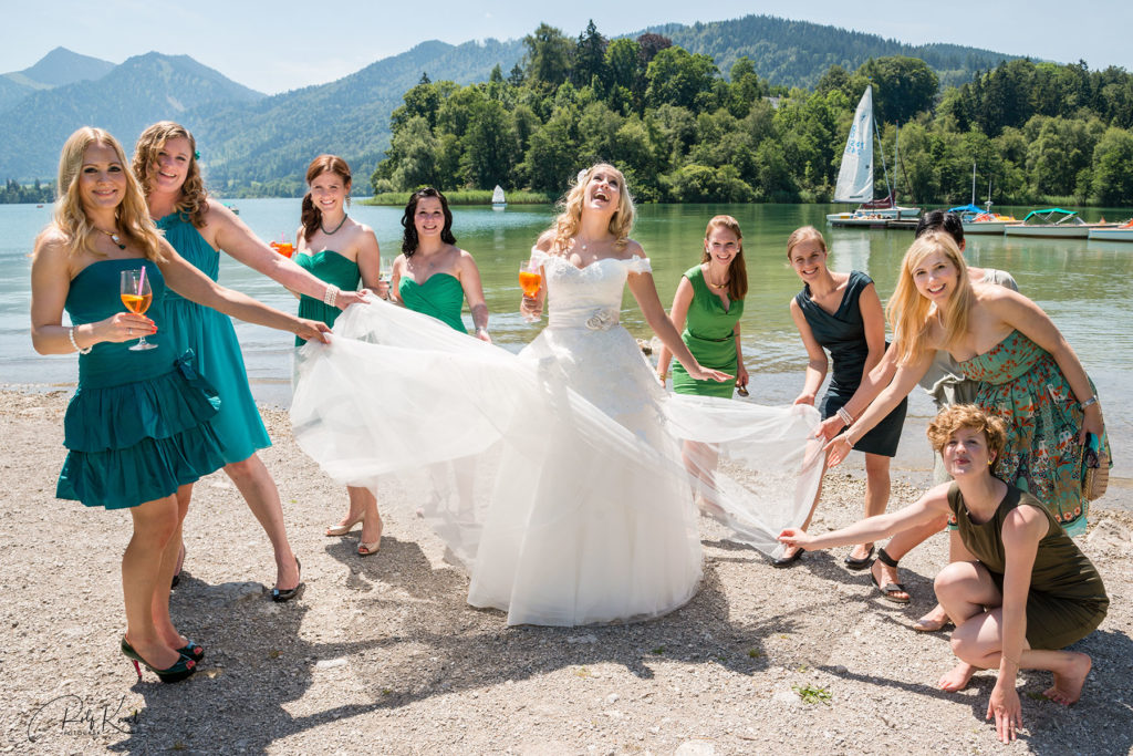 Braut am Schliersee mit Brautjungfern