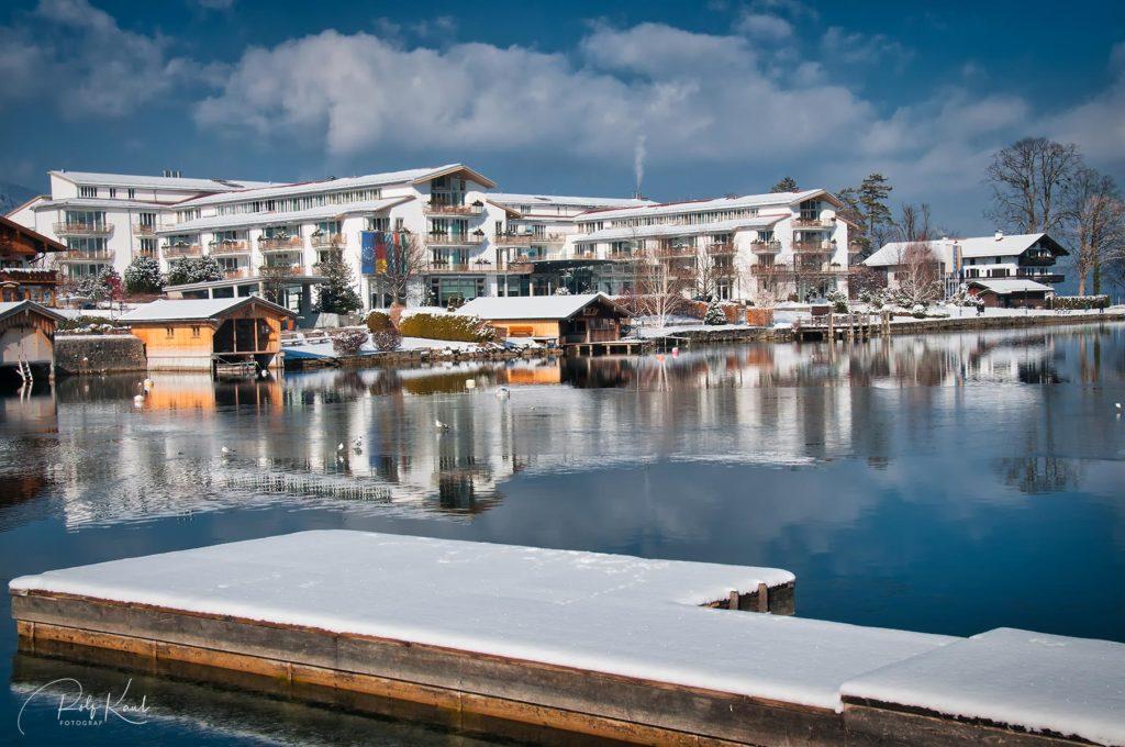 Winteransicht des Seehotel Überfahrt in Rottach-Egern