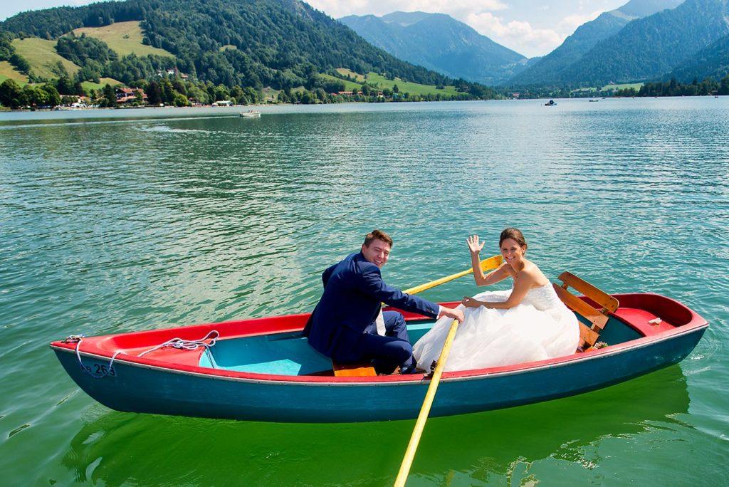 Hochzeitsfotograf Bayern Rolf Kaul Brautpaar Ruderboot