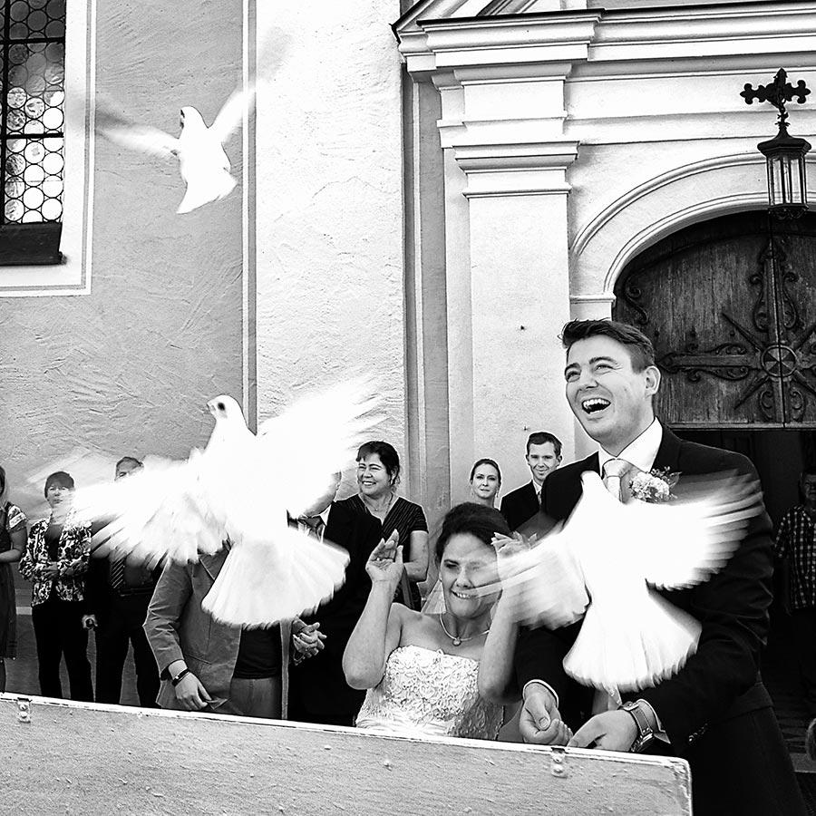 Schliersee Rolf Kaul Hochzeit Hochzeitsfotograf Brautpaar Tauben