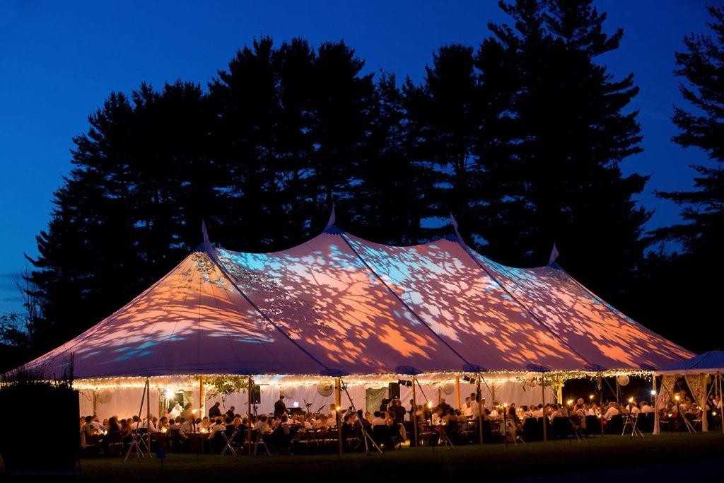 Event in der Natur im Zelt